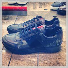 #prada #scarpe #shoes #love _prada #mimetico #militare #camouflage #bellissime #beautiful #stringate #rosso #milano #milan #it #italia #città #city #instagram #instaplace #top #prossimo #acquisto #stile #style #moda #uomo #man #fashion #classe @Ashley Lam