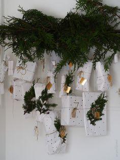 www.byrust.no Wreaths, Plants, Home Decor, Advent Calendar, Room Decor, Flora, Garlands, Home Interior Design, Decoration Home