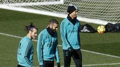 Zidane to pick strongest XI with PSG game four days away - xsport. Real Madrid Coach, Zinedine Zidane, One Team, Psg, Champions League, Strong, Life