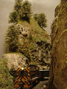 Coffin & Columbia River - n-scale layout N Scale Layouts, Electric Train Sets, N Scale Trains, Model Train Layouts, Columbia River, Model Trains, Main Street, Good Times, Real Life