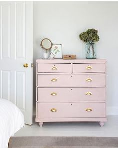 Ginandinteriors used Chalk Paint in Antoinette to upcycle this pretty chest of drawers We love Antoinette it s a very easy colour to use and works especially well as a gentle pastel colour-pop against a white wall Chest Of Drawers Upcycle, Chest Of Drawers Decor, Chest Of Drawers Makeover, White Chest Of Drawers, Bedroom Drawers, Dresser Makeovers, Pastel Furniture, Colorful Furniture, Paint Furniture