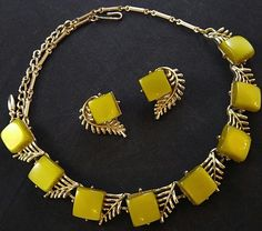 "Signed CORO Vtg 16"" Necklace & Earring SET Green Moon Glow Thermoset Leaf J167"