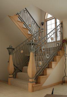 Iron Stair Railing Design – Home Modern Decors Outdoor Stair Railing, Interior Stair Railing, Stair Railing Design, Iron Stair Railing, Stair Handrail, Railing Ideas, Banisters, Wood Railing, Metal Railings