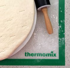 Let's cook – a recipe for tasty Thermomix pizza sauce and pizza dough