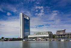 #StandardBank - Puerto Madero #Architecture Banks Building, Green Building, Marina Bay Sands, Skyscraper, Architecture, City, Travel, Buenos Aires, Argentina