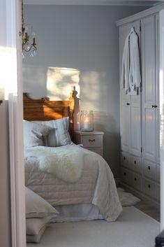 Sängynpääty ja vaatekaapit JUVI-Production www. Decor, Furniture, Home, Bed, Bedroom