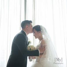 Classic White Wedding At DoubleTree Hilton All White, Classic White, Wedding Kiss, Ballroom Wedding, White Decor, Wedding Vendors, Enchanted, Jakarta, Bride