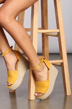 Step up your sandal game with these super cute taupe and tan espadrille wedges. They feature an open toe, ankle strap with buckle, and a platform wedge heel. Platform Wedges Shoes, Shoes Heels Wedges, Wedge Shoes, Summer Wedges Shoes, Wedge Sandals Outfit, Black Espadrilles Wedges, Strappy Wedges, Women's Wedges, Black Wedges