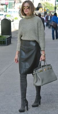 Perfect gray overknee boots