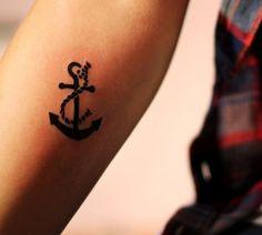 Unterarm Tattoo Motive für Frauen-kleines Anker-Tattoo