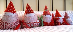 5 little gnomes sitting in a row Christmas Crafts, Xmas, Christmas Ideas, Peppermint Sticks, Draft Stopper, How To Make Curtains, Closet Designs, Felt Hearts, Winter Holidays