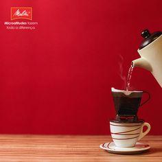 Quem não gosta de um café #passadonahora bem fresquinho? Com os Filtros Melitta tamanho 100, você passa rapidinho o melhor do café direto na xícara. ;-)