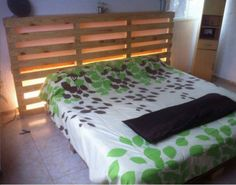 Recycled Wood Pallet Bed With Light Effects
