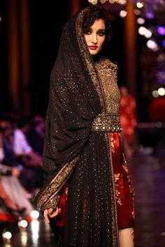 Lakme Fashion Week: Sabyasachi's Royal Grand Finale