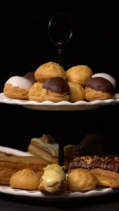 Choux Dough Will these techniques take your baking to the next level? Buddy, choux dough-n't even know! Sweet Recipes, Cake Recipes, Dessert Recipes, Recipes Dinner, Pasta Recipes, Holiday Recipes, Good Food, Yummy Food, Tasty