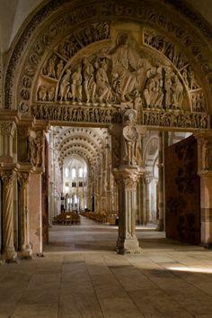 Narthex, Basilique Sainte Madeleine, Vézelay (Yonne)  Photo by Dennis Aubrey