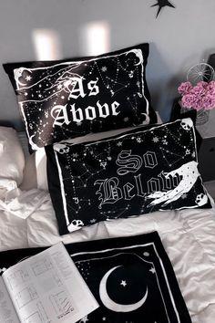 Goth Bedroom, Bedroom Inspo, Dream Bedroom, Bedroom Decor, Grunge Bedroom, Bedroom Ideas, Black Room Decor, Dark Home Decor, Goth Home Decor