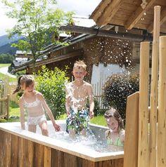 Plantschen in der Garten-Badewanne // Splash around in the outdoor bathtub Outdoor Bathtub, Shoulder Dress, Dresses, Fashion, House, Vestidos, Moda, Fashion Styles, Dress