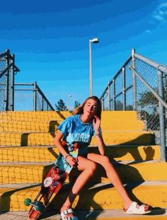 show season – bringing with it an achingly cool lineup of street style looks. Insta Photo Ideas, Insta Pic, Shotting Photo, Skate Girl, Skateboard Girl, Skateboard Parts, Instagram Pose, Cute Poses, Poses For Pictures