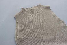 HEIGHT / 159cm<br /> WEAR SIZE / 0<br /> <br /> Phlannel<br /> Cotton Linen Mockneck Knit <br /> COLOR / White,Navy,Beige<br /> SIZE / 0,1<br /> Made In Japan<br /> PRICE / 19,000+tax<br /> <br /> AURALEE<br /> Finx Moleskin Skirt<br /> COLOR / White<br /> SIZE / 0,1<br /> Made In Japan<br /> PRICE / 24,000+tax<br /> <br /> babaco<br /> Voile Cotton Plain Socks<br /> COLOR / White,Brown,Black,Red,Dull Mint<br /> SIZE / 0/S<br /> Made In Japan<br /> PRICE / 2,400+tax<br /> <br /> BIRKENSTOCK…
