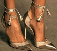 Emmy DE * Manolo Blahnik Golden Beauties