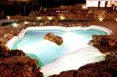 Piedra de agua (fuente termal & Spa) - Baños, Ecuador.