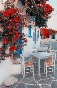 Folegandros (photo by Haris Vithoulkas http://www.harisphoto.com/