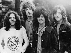 Promotional photo of UK rock group Badfinger, Mike Gibbins, Pete Ham, Tommy Evans and Joey Molland Rock Music, My Music, Pete Ham, Harry Nilsson, Song Of The Year, Rock Groups, Rockn Roll, Greatest Songs, Mariah Carey