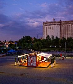 shipping-container-movbox-3