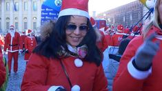 "eight thousand ""Santa Clauses"" were at the starting blocks of the Christmas Run in Verona 217"