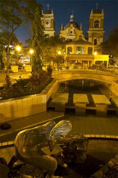Parque Central, #SPS,  #Honduras.   Esperamos que las fuertes lluvias no afecten mucho !