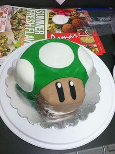 1-up Mushroom Cake Super Mario (Geek Art Gallery.)