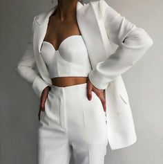 Tropical summer uploaded by Jarbas Jacare on We Heart It imagen descubierto por Jarbas Jacare. Cute Casual Outfits, White Outfits, Stylish Outfits, Elegantes Business Outfit, Elegantes Outfit, Mode Outfits, Girl Outfits, Fashion Outfits, Fashion Trends
