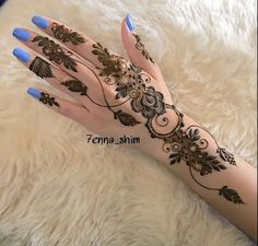 🖤so much talent💙luv this🖤💙💙🖤💙🖤💙🖤💙🖤 ❤ Modern Henna Designs, Indian Henna Designs, Finger Henna Designs, Stylish Mehndi Designs, Unique Mehndi Designs, Mehndi Designs For Fingers, Beautiful Mehndi Design, Latest Mehndi Designs, Henna Tattoo Designs