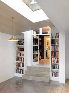 trendy home bedroom ideas book shelves Two Storey House, House Extensions, Kitchen Extensions, Trendy Home, Open Plan Kitchen, Living Room Kitchen, Home Renovation, Basement Renovations, Home Interior Design