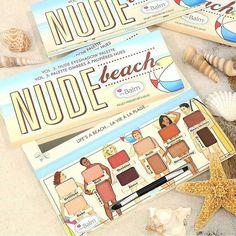 Sapore di mare con la nuovissima palette di ombretti Nude Beach di @thebalm_cosmetics Dodici ombretti nude dal sottotono caldo perfetti per l'estate proposti in un simpaticissimo pack! QUANTI PER QUESTA PALETTE? La palette The Balm Nude Beach sarà in vendita negli States a partire da metà luglio 2017! A breve dovrebbe arrivare anche in Italia in esclusiva presso @limoni_profumerie e @lagardenia_profumerie Pic: @thebalm_cosmetics ) #thebalm #thebalmcosmetics #nudebeach #nudebeachpalette #t