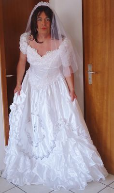 This beautiful bridal crossdresser is Karen.SOURCE Sister
