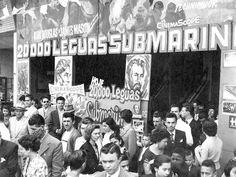 Cine Penharama (que também foi Penha Palace), no bairro da Penha. Rara foto da estréia do filme 20.000 Léguas Submarinas.