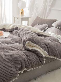 Velvet Bedding Sets, Bed Comforter Sets, Girls Bedding Sets, Duvet Bedding, Bedroom Sets, Home Bedroom, Bedroom Decor, King Bedding Sets, Sheets Bedding