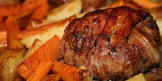 Saftige hakkebøffer omviklet med masser af sprød bacon - det er en virkelig lækker kombination, der vil noget, og så er det utrolig nemt at lave.