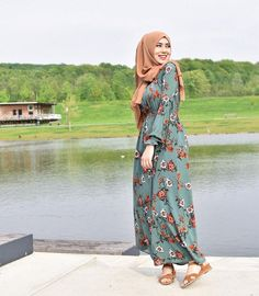 Affordable prices on new tops, dresses, outerwear and more. Hijab Fashion Summer, Modern Hijab Fashion, Hijab Fashion Inspiration, Abaya Fashion, Muslim Fashion, Modest Dresses, Modest Outfits, Hijab Dress Party, Hijab Outfit