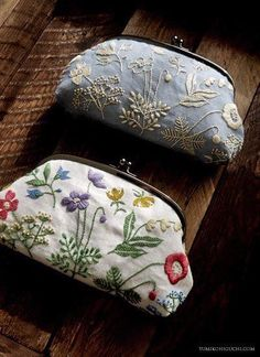 Olympus Sashiko Fabric - Sashiko Placemat Kit # 311 - Asanoha & Seven Treasures - Navy - Japanese Embroidery - Embroidery Design Guide Embroidery Bags, Hardanger Embroidery, Japanese Embroidery, Cross Stitch Embroidery, Embroidery Patterns, Machine Embroidery, Flower Embroidery, Embroidered Flowers, Embroidery Supplies