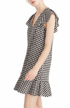 Ruffle Gingham Shift - just bought this on supersale and I loooooove it 🖤 Tomboy Fashion, 90s Fashion, Fabulous Dresses, Pretty Dresses, Gingham Dress, Street Style Looks, Playing Dress Up, Dress Me Up, Timeless Fashion