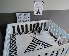 Boxkleed tipi zwart wit triangel motief - Hip Huisje