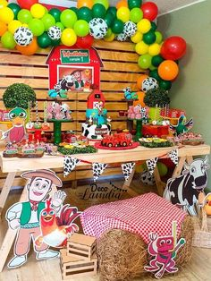 Fiesta mateo Farm Animal Party, Farm Animal Birthday, Cowboy Birthday, Farm Birthday, Farm Themed Party, Barnyard Party, Farm Party Decorations, 5th Birthday Party Ideas, Cowgirl Party