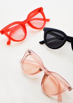 In clear, colored crystal with tonal tinted lenses, these easy-to-wear sunglasses (they look effortlessly good on pretty much everyone) show off a cat-eye-meets-wayfarer silhouette. Sunglasses Sale, Cat Eye Sunglasses, Sunglasses Women, Vintage Sunglasses, Cute Glasses, Glasses Frames, Womens Fashion Online, Latest Fashion For Women, Cat Eye Colors