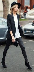 Black blazer, skinnies and white blouse with handbag