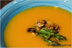 ratatui dos pobres: Creme de cenoura e espargos c/ topping de amêndoa