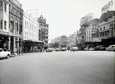 Site for Sydney heritage, old vintage pictures of buildings and streets  compared to then and now. Identify lost or unknown history photos. Street Look, Street View, Williams Street, Old King, Make Way, History Photos, Vintage Pictures, First Photo, Historical Photos