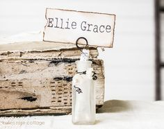 Vintage Petite Place Card Holder - One